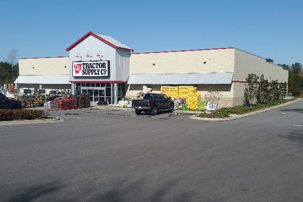 view of Tractor Supply from front parking lot